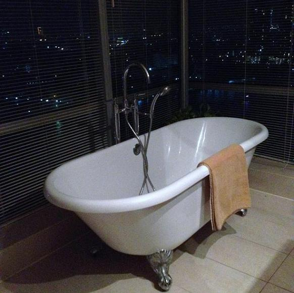 Bangkok condo bathroom