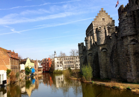 brussels castle on canal